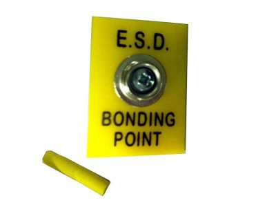 Grounding point for ESD floor mats