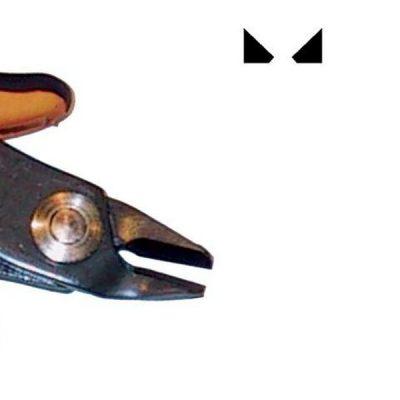 Questo tronchese dal taglio smussato è la versione più robusta del TR 30 58 del quale ha mantenuto le stesse caratteristiche. Codice Piergiacomi: TR 58.