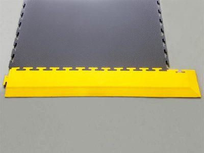 Rampa d'angolo gialla per pavimento antistatico El.Mi Tile da 5mm