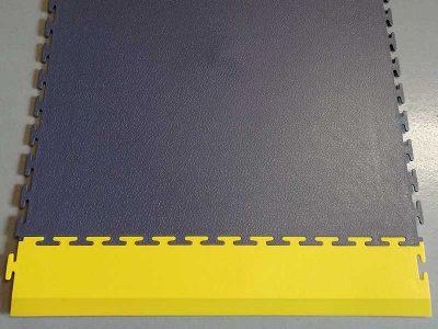 Rampa d'accesso gialla per pavimentazione ESD El.Mi Tile